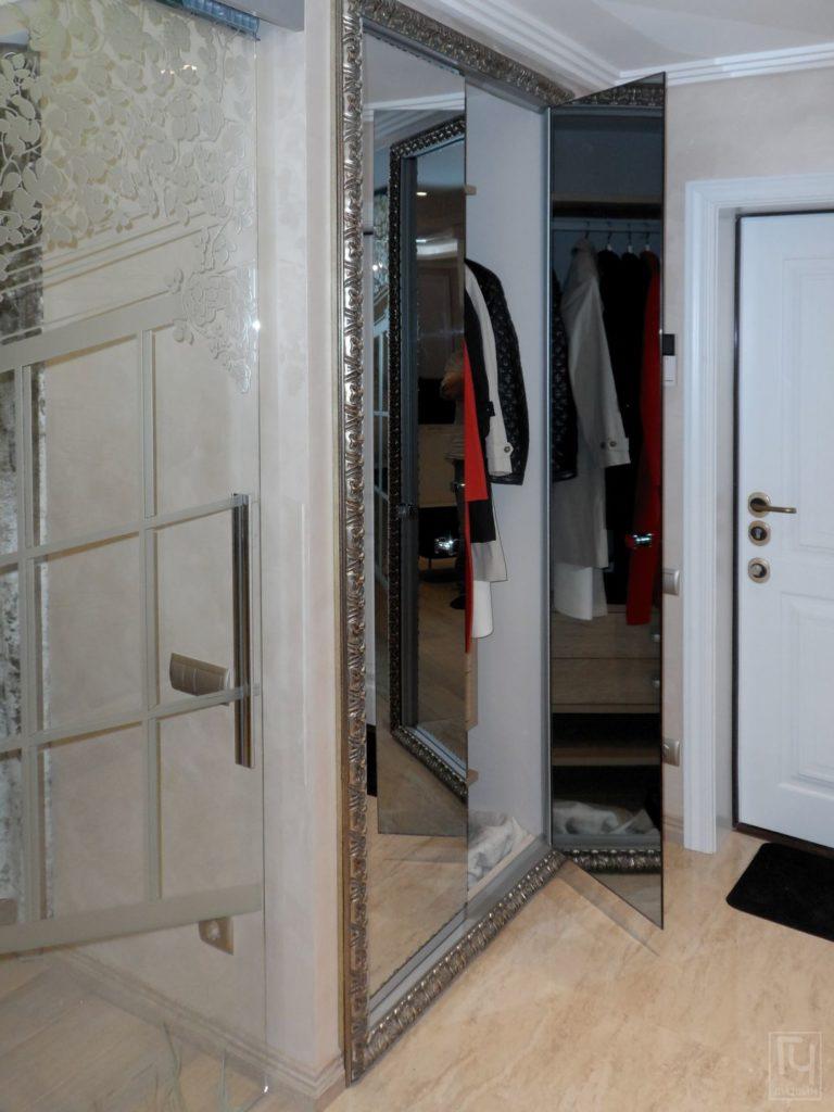 зеркальные двери шкафа