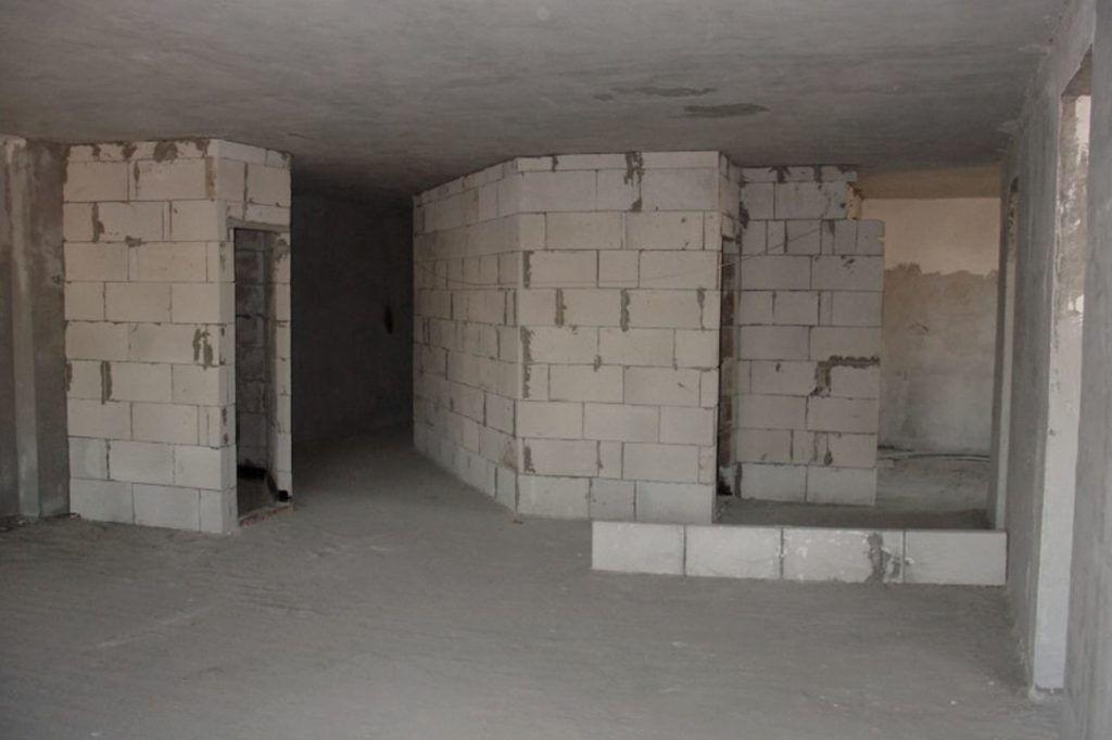 Перегородки из пазогребневых блоков
