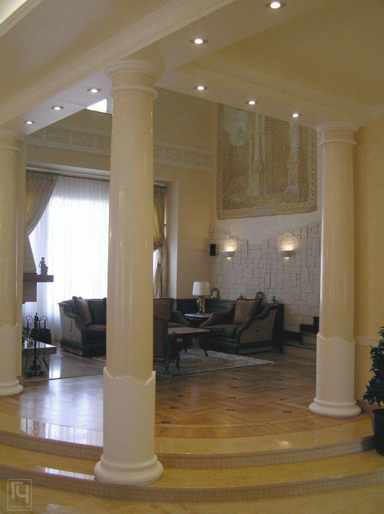 Колонны гостиной