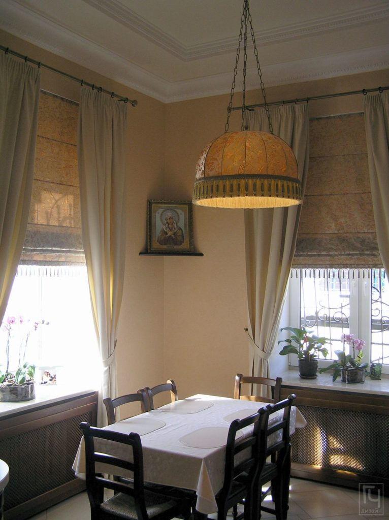 Абажур над столом кухни